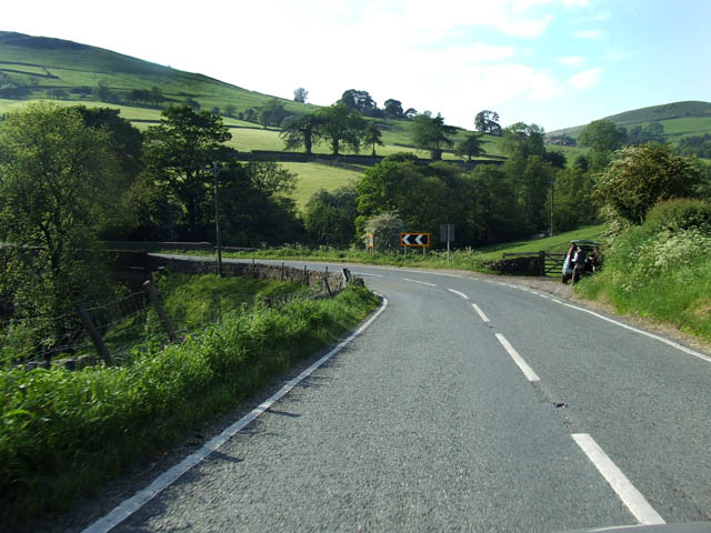 File:A sharp bend on the A54 - Geograph - 187231.jpg