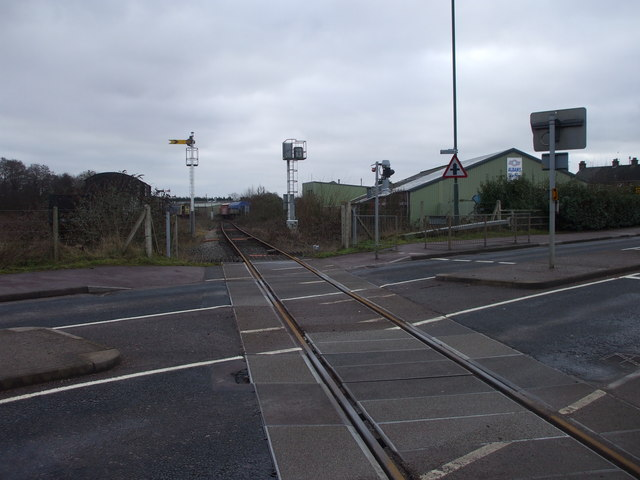 File:Level crossing, Lydney - Geograph - 1674965.jpg