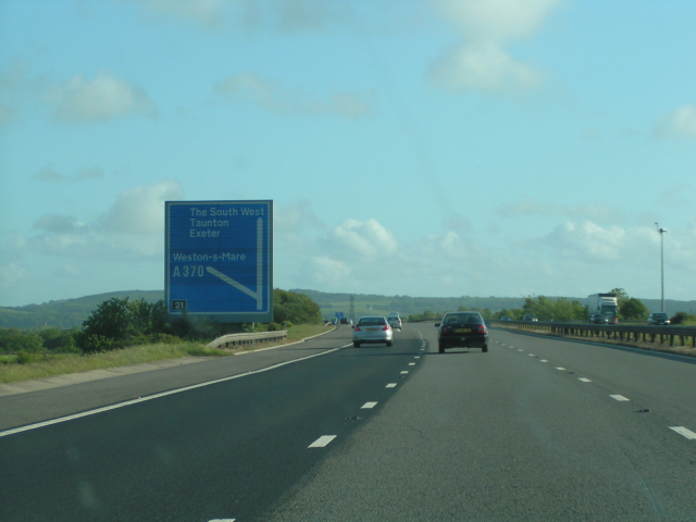 File:Junction 21 on the M5, southbound - Geograph - 1326011.jpg