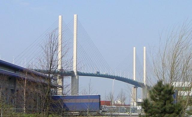 File:Queen Elizabeth II Bridge, Dartford.jpg