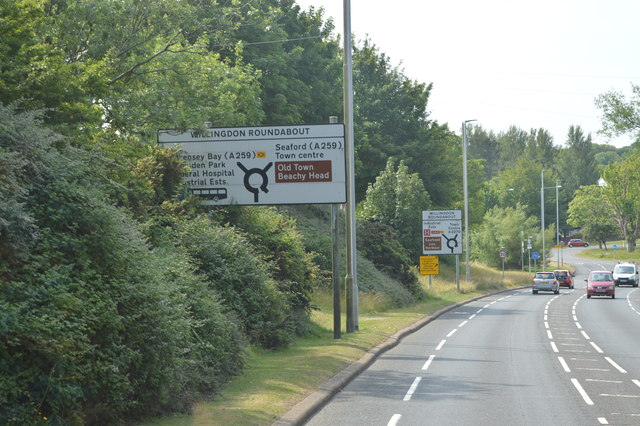 File:A2270 approaching Willingdon Roundabout - Geograph - 4766828.jpg