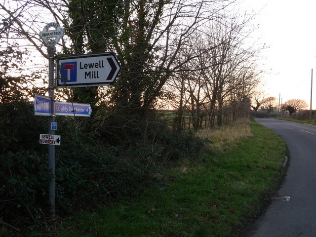 File:West Knighton- signpost at Tenantrees - Geograph - 1094243.jpg