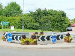 Hildersley roundabout, Ross-on-Wye - Geograph - 1397774.jpg