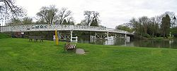 Whitchurch-on-Thames- Toll Bridge - Geograph - 2348.jpg