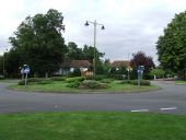 Uk's First Roundabout - Geograph - 531288.jpg