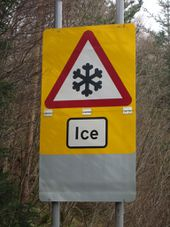 A832 Ice warning.jpg