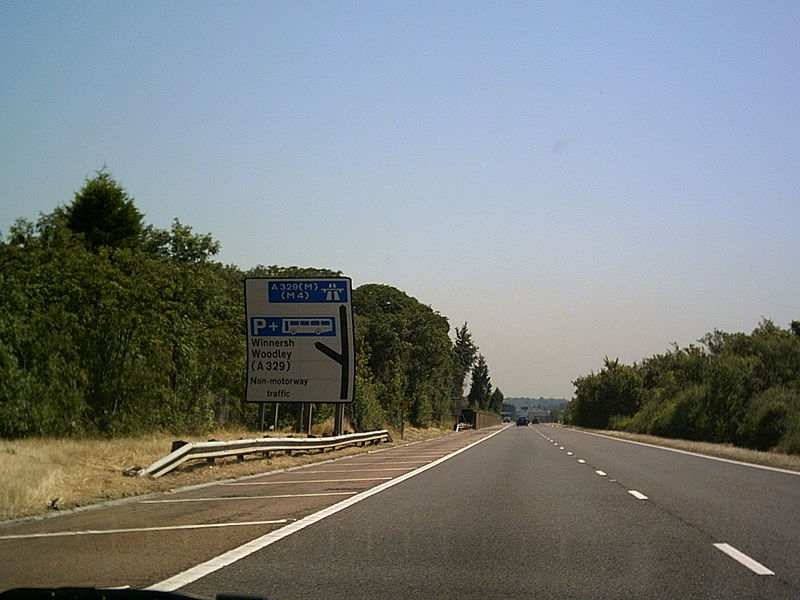 File:A329(M) Reading - Coppermine - 6859.JPG