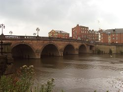 Bridge over the River Severn at Worcester - Geograph - 31489.jpg
