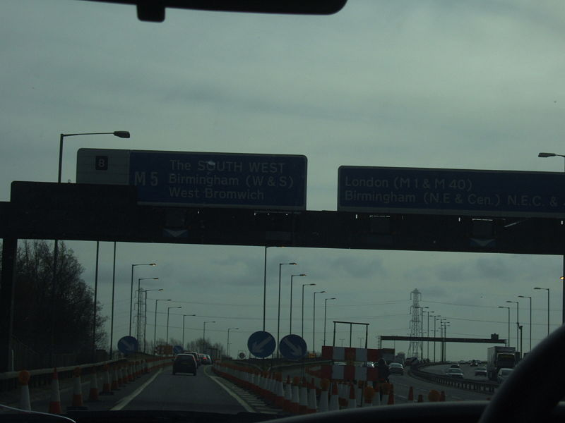 File:Leaving the M6 - Coppermine - 12158.JPG