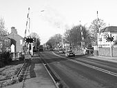 This was one of the infamous level crossings that blighted the Great North Road. It's near the cattle market in Newark. - Coppermine - 4795.jpg