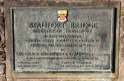 Beaufort Bridge Plaque - Geograph - 1750795.jpg