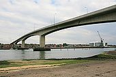 Itchen Bridge - Geograph - 445909.jpg
