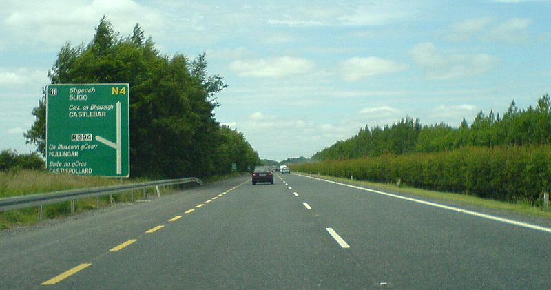 File:06 Along the Mullingar bypass - Coppermine - 6566.jpg