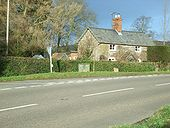 Lodge Cottage - Geograph - 317824.jpg