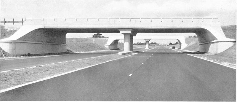 File:M1 Junction Collingtree - 1950s - Coppermine - 102.jpg