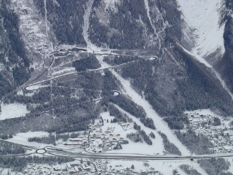 File:Approach and Mt Blanc Tunnel - Coppermine - 16527.jpg