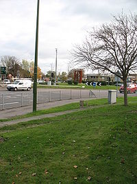 Robin Hood roundabout - Geograph - 606665.jpg
