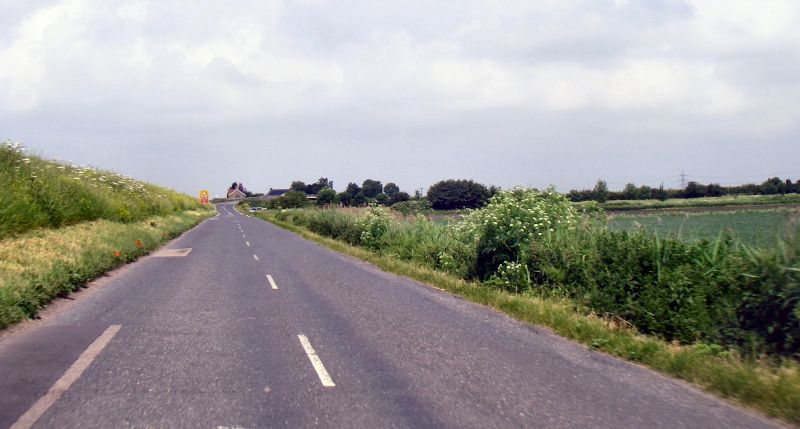 File:20180602-1221 - Road on the Bank of the River Ouse (C134) 52.4166657N 0.3044863E -cropped.jpg