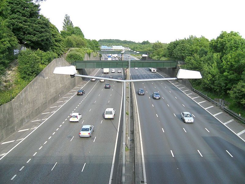 File:M25 from the Brighton rd. - Coppermine - 20124.jpg
