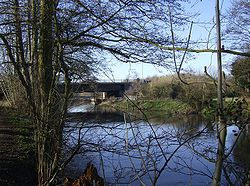 M4 bridge crossing River Kennet - Geograph - 332511.jpg