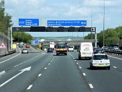 M25, Exit at Reigate Hill (Junction 8) - Geograph - 3731818.jpg