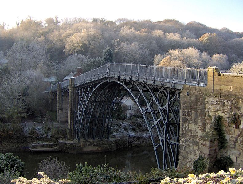 File:Ironbridge in Winter - Coppermine - 21755.jpg