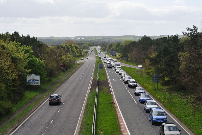 File:Queue on A1 at Morpeth - Coppermine - 22132.jpg