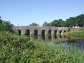 Bective Bridge - Geograph - 1933215.jpg