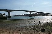 Itchen Bridge - Geograph - 22418.jpg