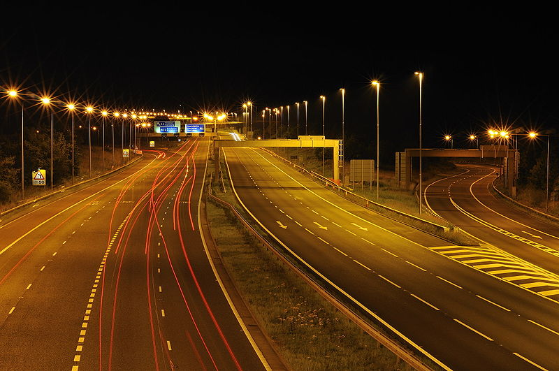 File:M6 J32 in the small hours - Coppermine - 22911.jpg