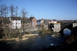 Ludford Bridge crosses the River Teme - Geograph - 1744287.jpg