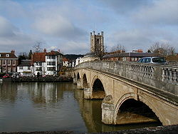 The Bridge over the Thames at Henley on Thames - Geograph - 111715.jpg