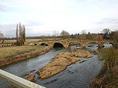 The old bridge from the new bridge - Geograph - 1686645.jpg
