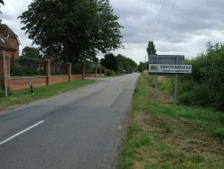 Entering Hertfordshire near Hinxworth - Geograph - 3097810.jpg