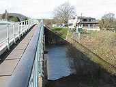 Haw Bridge crosses the Severn - Geograph - 717641.jpg