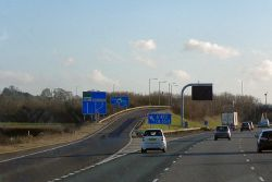 Southbound M40, Exit at Junction 11 - Geograph - 3299339.jpg