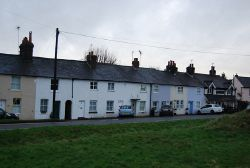 Row of Terraces, Common Rd - Geograph - 3315054.jpg