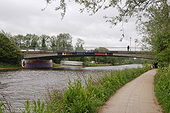 Donnington Road bridge over the Isis (Thames) - Geograph - 1324098.jpg