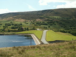 Woodhead Reservoir Dam Head & the B6105 - Geograph - 883103.jpg