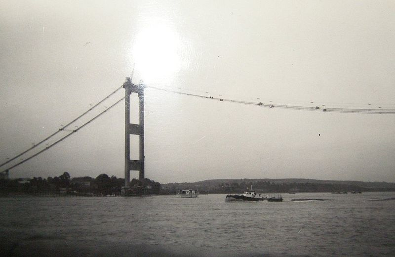 File:Severn bridge under construction - Coppermine - 9805.jpg