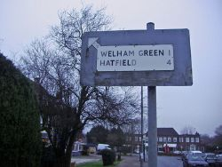 Pre-Worboys sign Brookmans Park - Geograph - 1100061.jpg