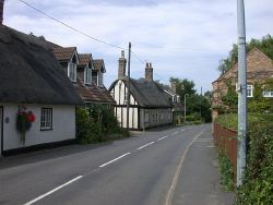 Cottages in Horse and Gate Street - Geograph - 903637.jpg