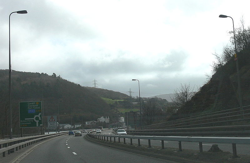File:Briton Ferry Bridge End - Coppermine - 21649.jpg