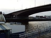 Kingston Bridge over River Clyde.jpg