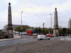 Lambeth Bridge - Geograph - 2956514.jpg