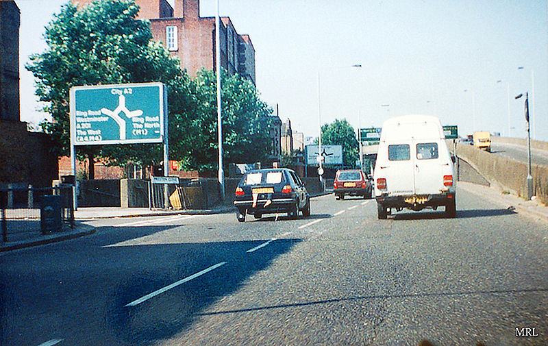 File:A2 New Kent Road - 1990's - Coppermine - 22431.jpg