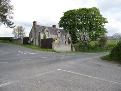 Disused farmhouse at Castle Roche Cross Roads - Geograph - 3467023.jpg