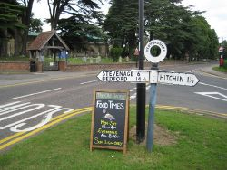 Ickleford- Pre-Worboys Report road sign - Geograph - 1928263.jpg