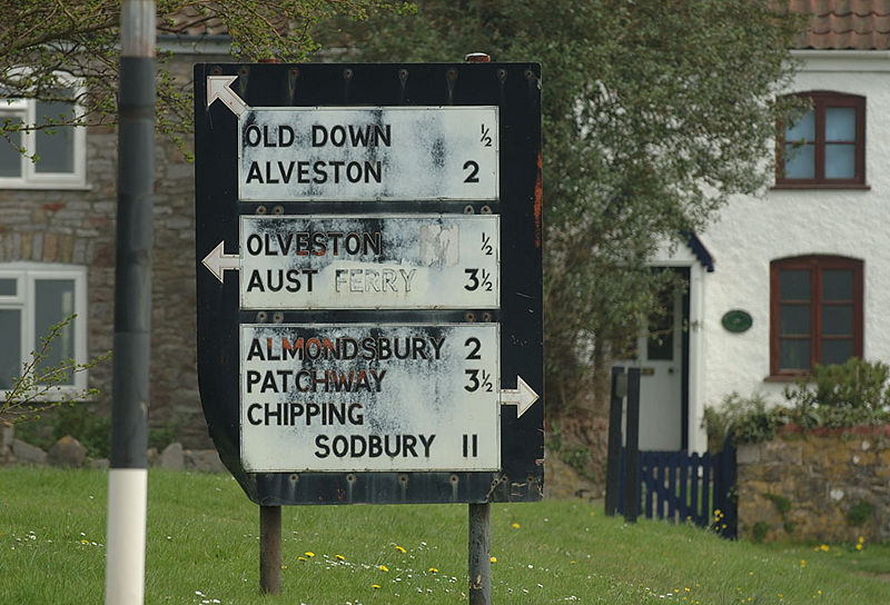 File:Almondsbury Aust Ferry pre Warboys sign.jpg