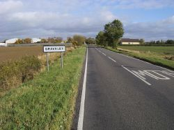 Entering Graveley - Geograph - 1656635.jpg
